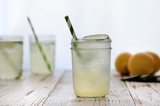 Cucumber Lemon Drop - Picnic Style // HonestlyYUM