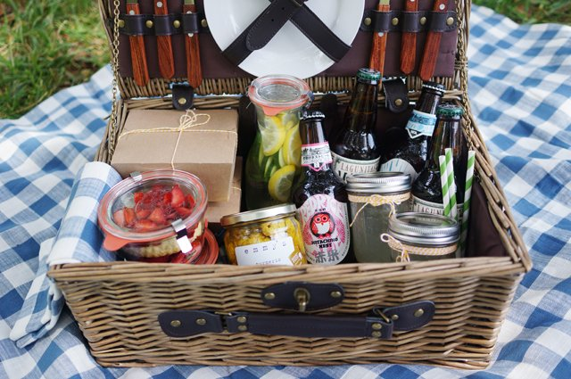 A Perfect Picnic // HonestlyYUM