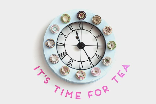 Vintage Tea Cup Clock, Crown and Crumpet // HonestlyYUM