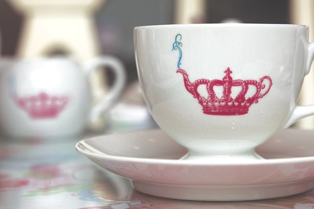 Tea Party, Crown and Crumpet // HonestlyYUM