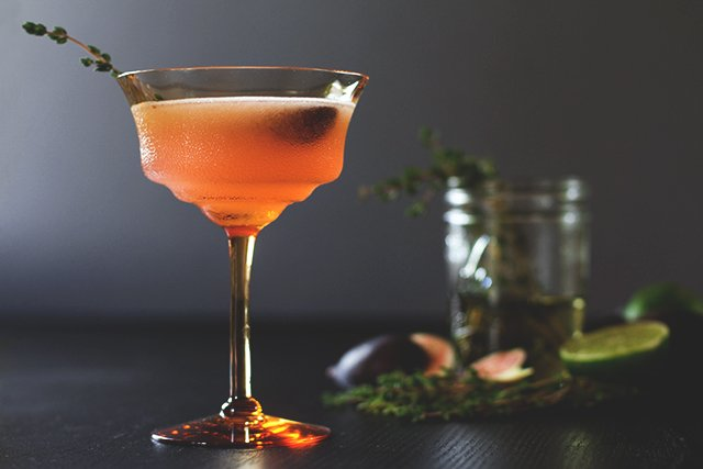 Fig Thyme Cocktail // HonestlyYUM