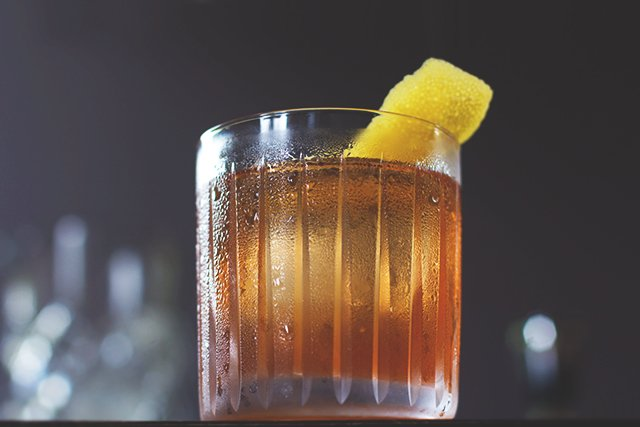 Old Fashioned Cocktail // HonestlyYUM