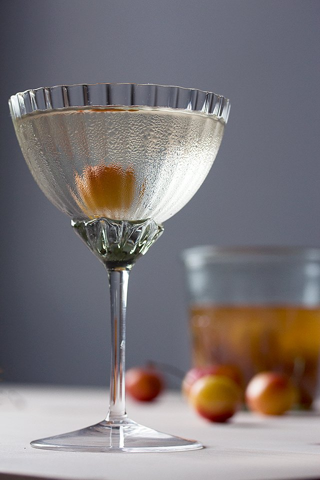 Cherry Brandy and Elderflower Cocktail // HonestlyYUM