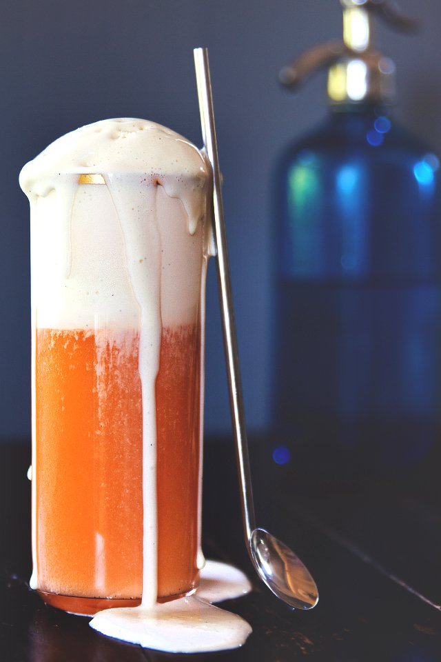 Thai Iced Tea Float with Condensed Milk Ice Cream // HonestlyYUM