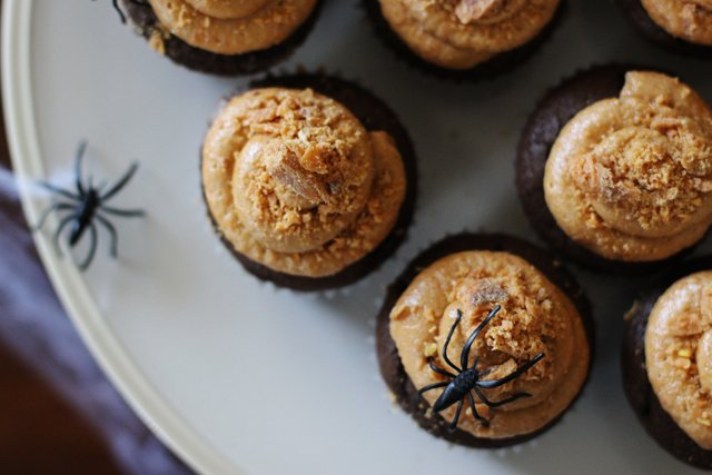 Butterfinger Cupcakes 10