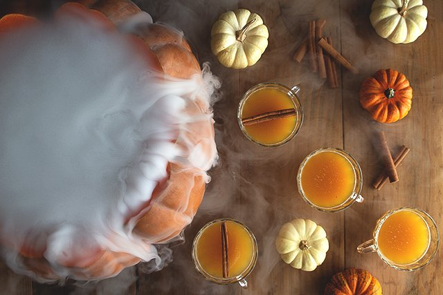 Halloween Pumpkin Punch // HonestlyYUM