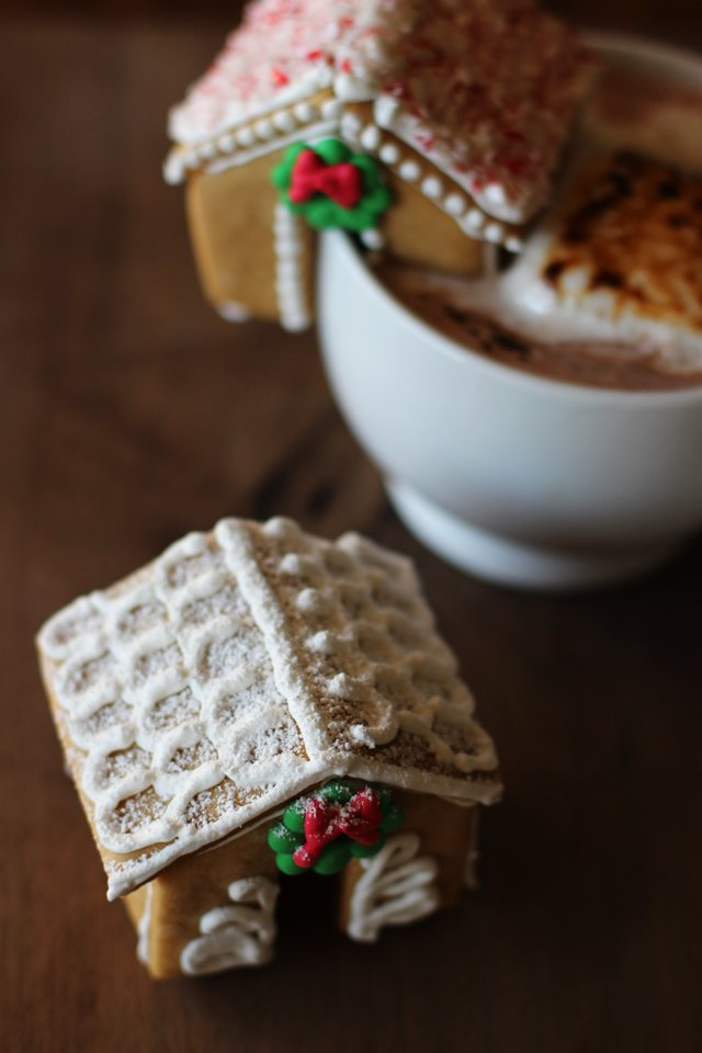 recipe: small gingerbread house recipe [11]