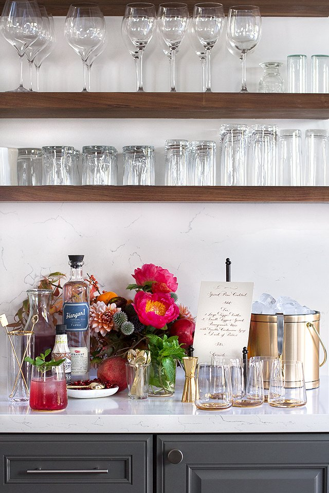 DIY Cocktail Station // HonestlyYUM