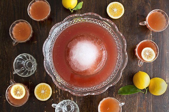 The Ultimate Thanksgiving Punch Recipe // HonestlyYUM