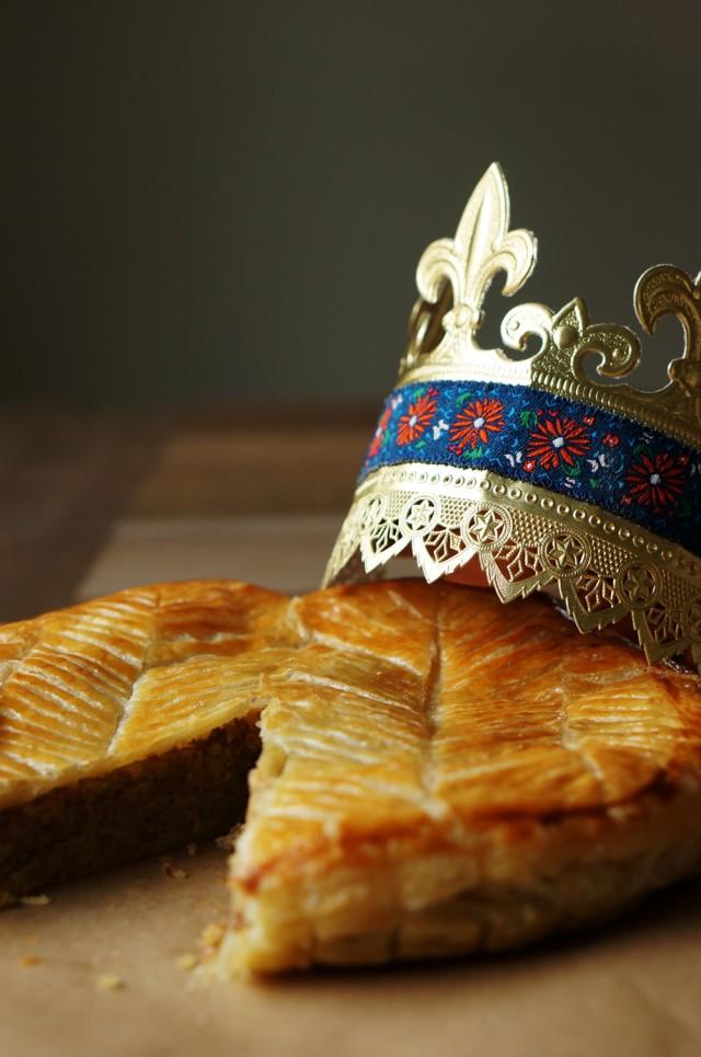 Galette des rois king 39 s cake - Decor galette des rois ...
