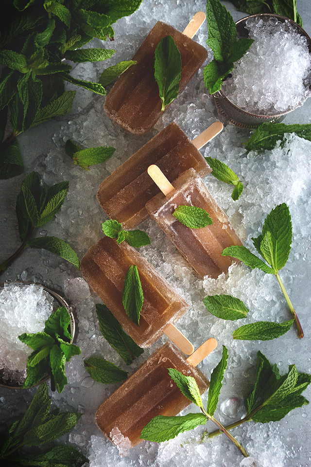 Mint Julep Popsicles // HonestlyYUM