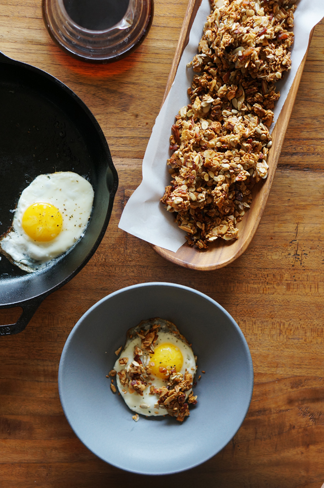 Bacon Granola | HonestlyYUM
