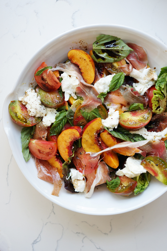 Nectarine summer salad | HonestlyYUM