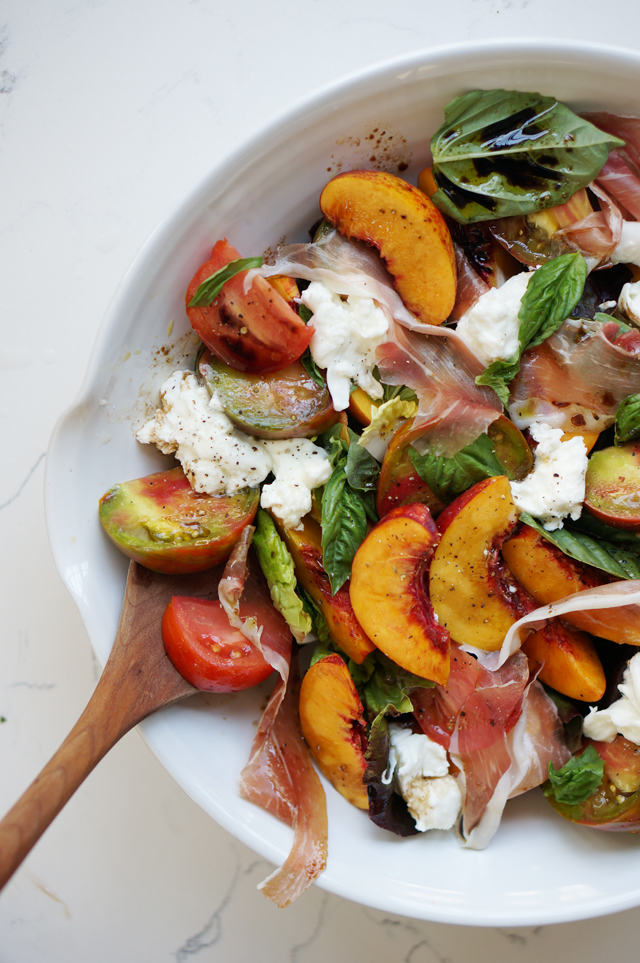 Nectarine, tomato, basil salad | HonestlyYUM