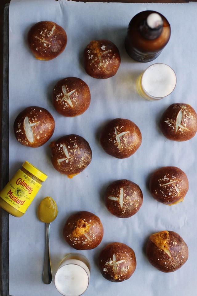 Cheddar and bacon pretzel buns | HonestlyYUM