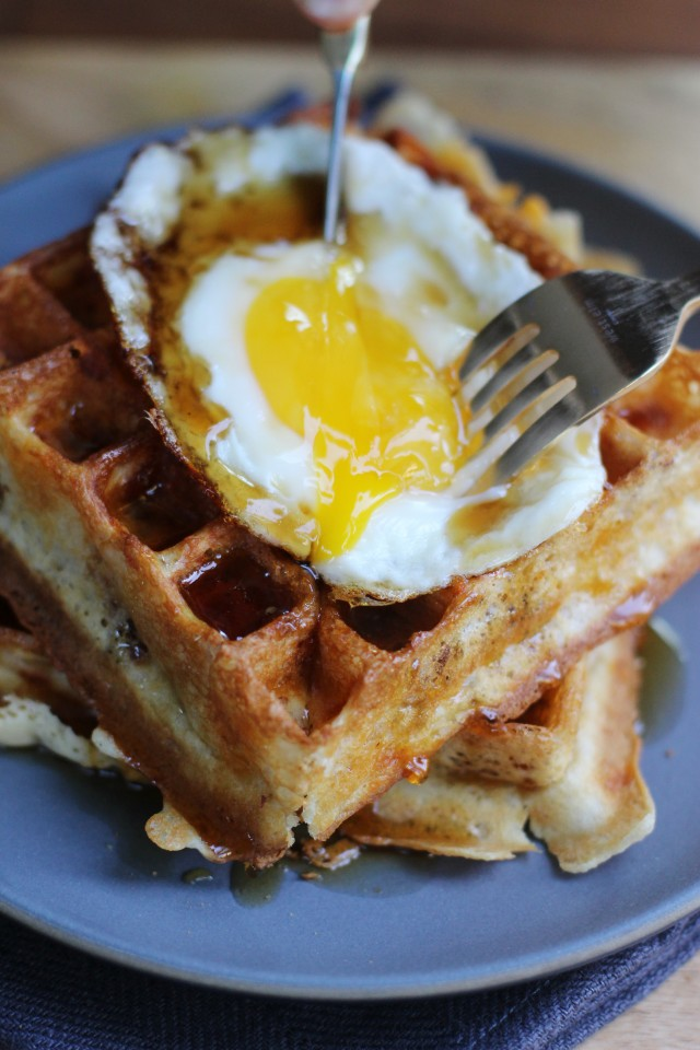 Egg and waffles | HonestlyYUM