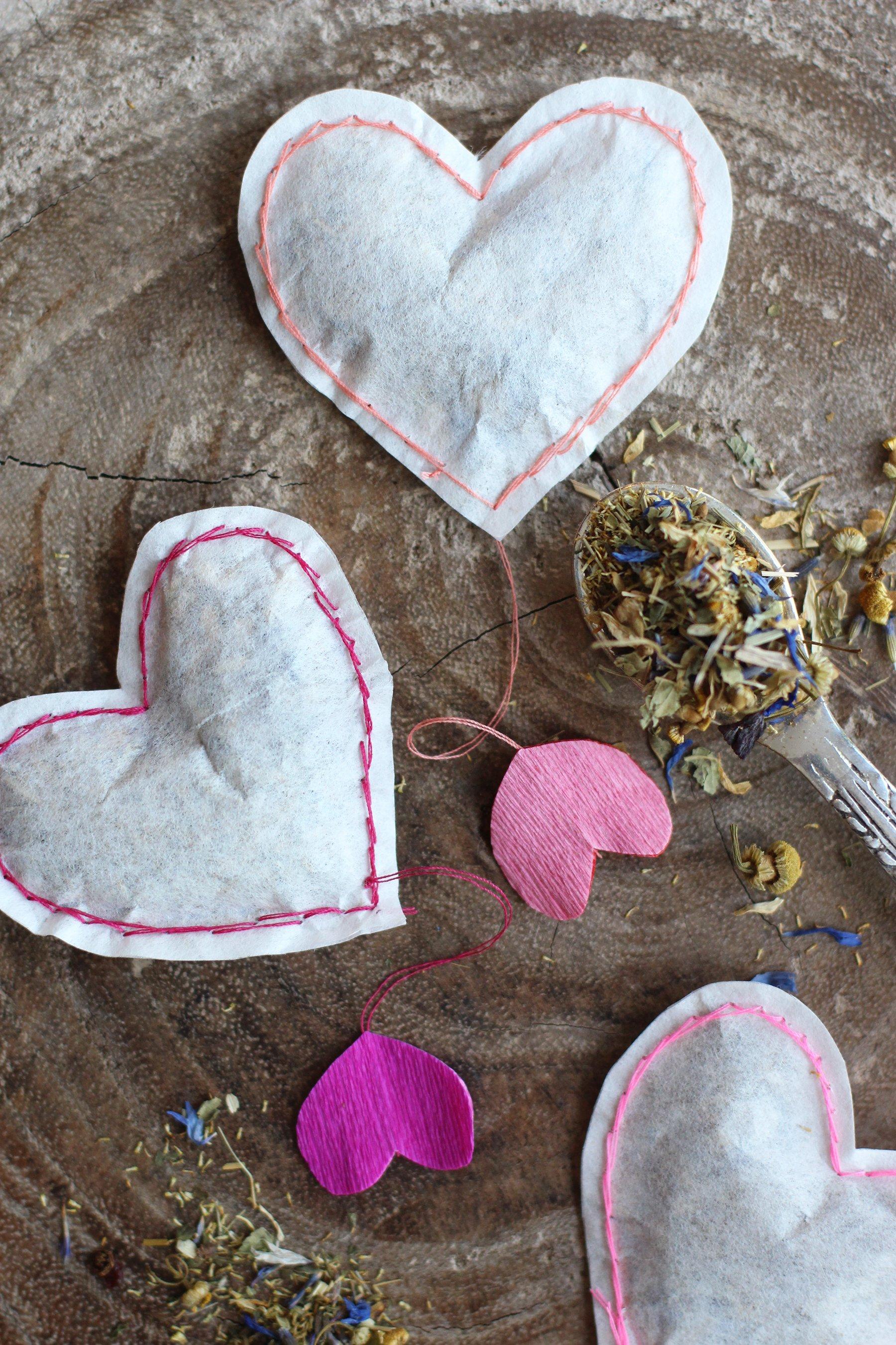 DIY Heart Shaped Tea Bags - HonestlyYUM