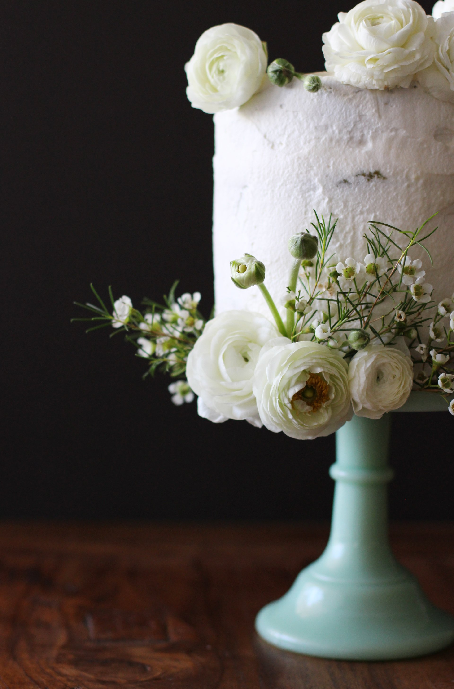 Green tea and white chocolate cake | HonestlyYUM