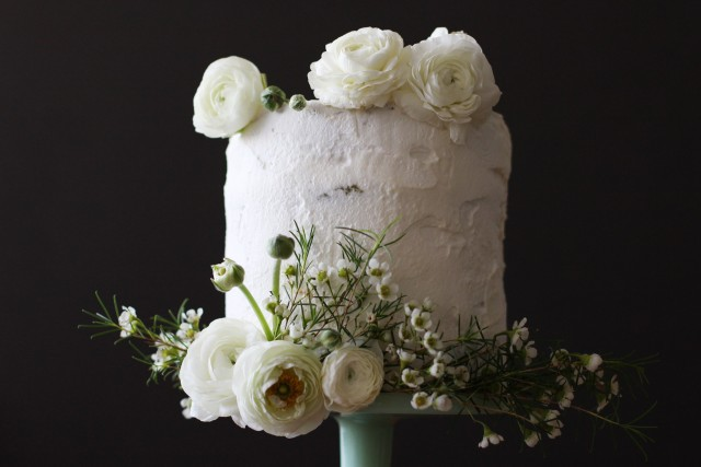 Green tea chiffon and white chocolate cake | HonestlyYUM
