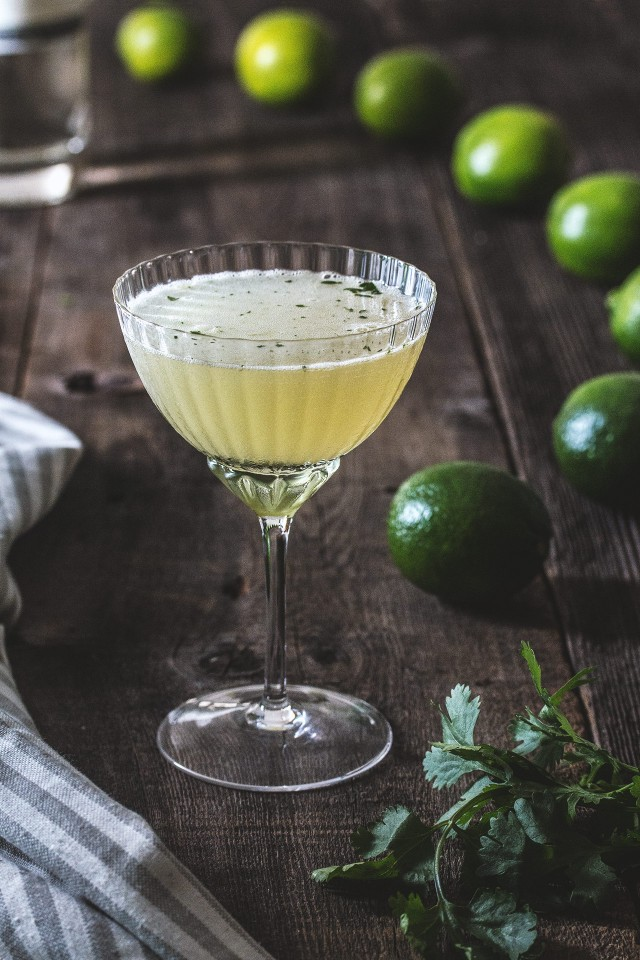 Green chile cocktail recipe by honestlyyum for Green alcoholic drinks recipes