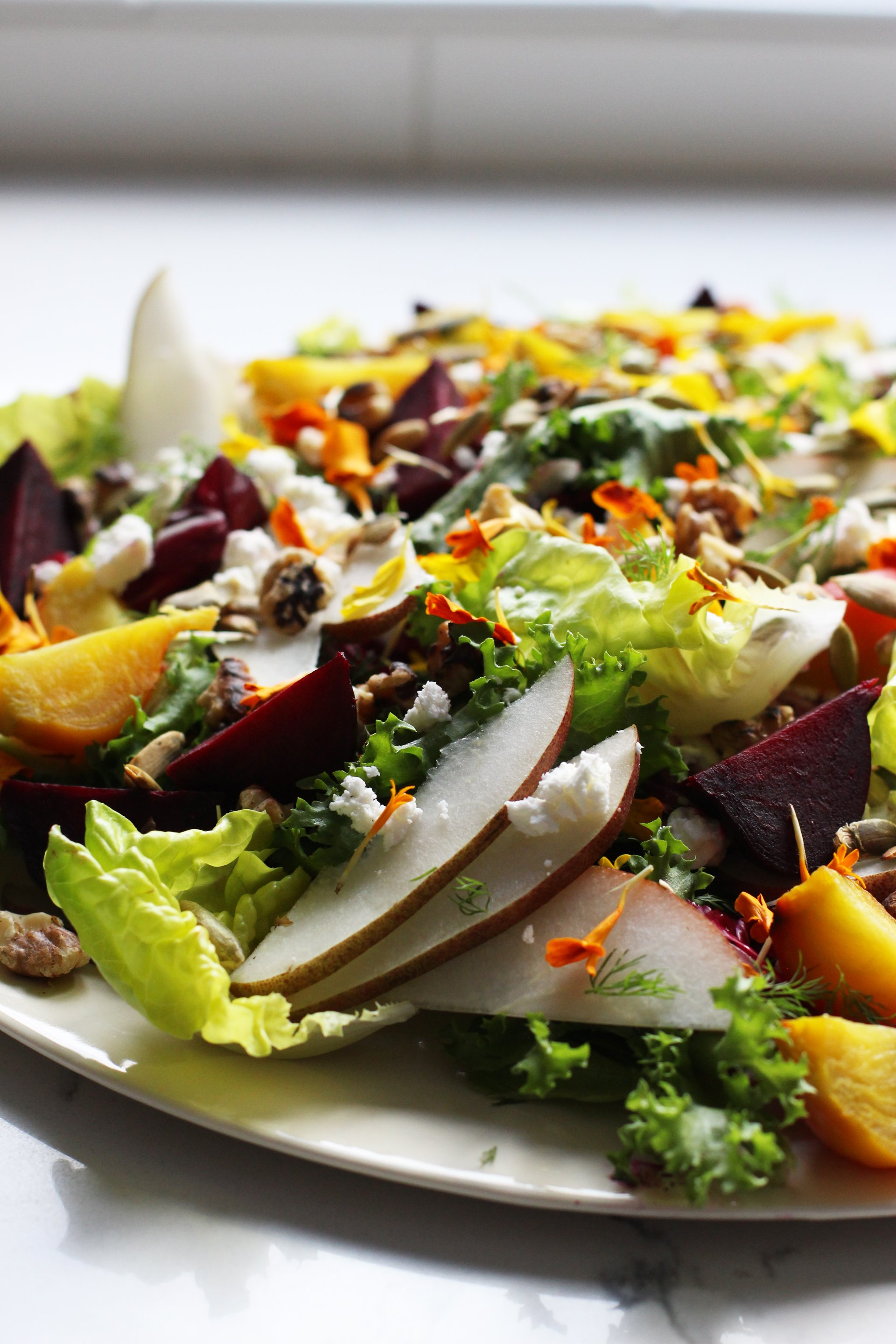 Pear and roasted beet salad | HonestlyYUM