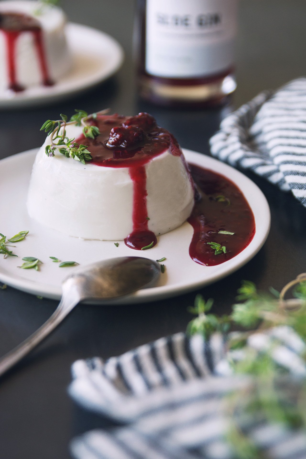 Coconut Panna Cotta with Blackberry, Thyme & Sloe Gin Compote by HonestlyYUM (honestlyyum.com)