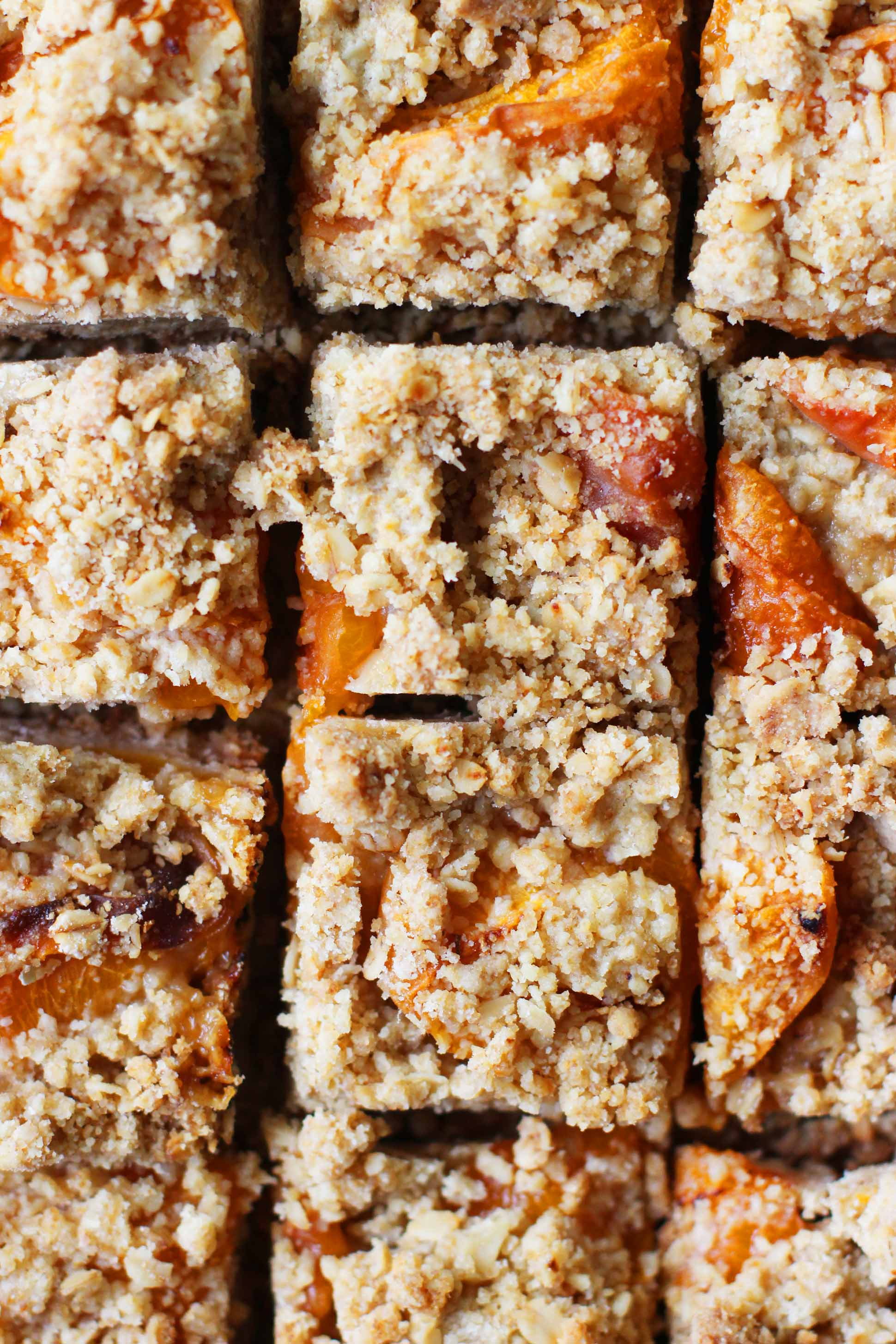 Apricot-Bars-_-HonestlyYUM---