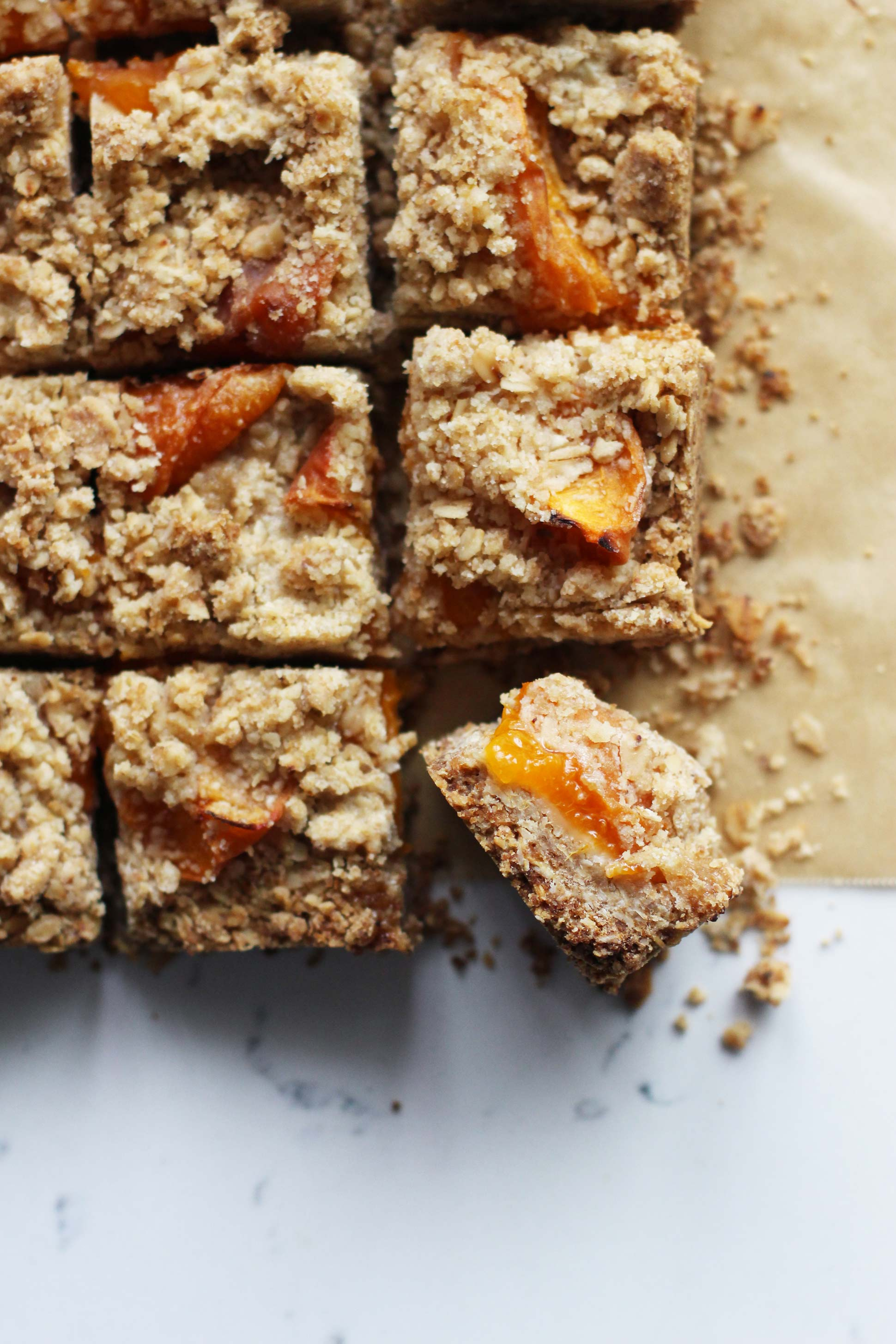 Apricot-bars-_-HonestlyYUM--