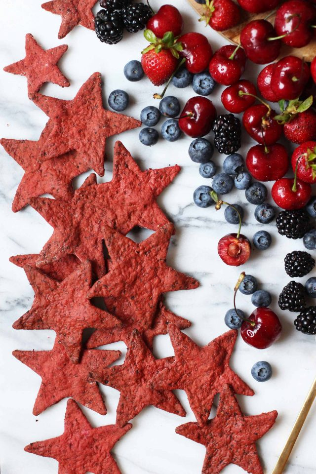Beet-and-Pepper-crackers