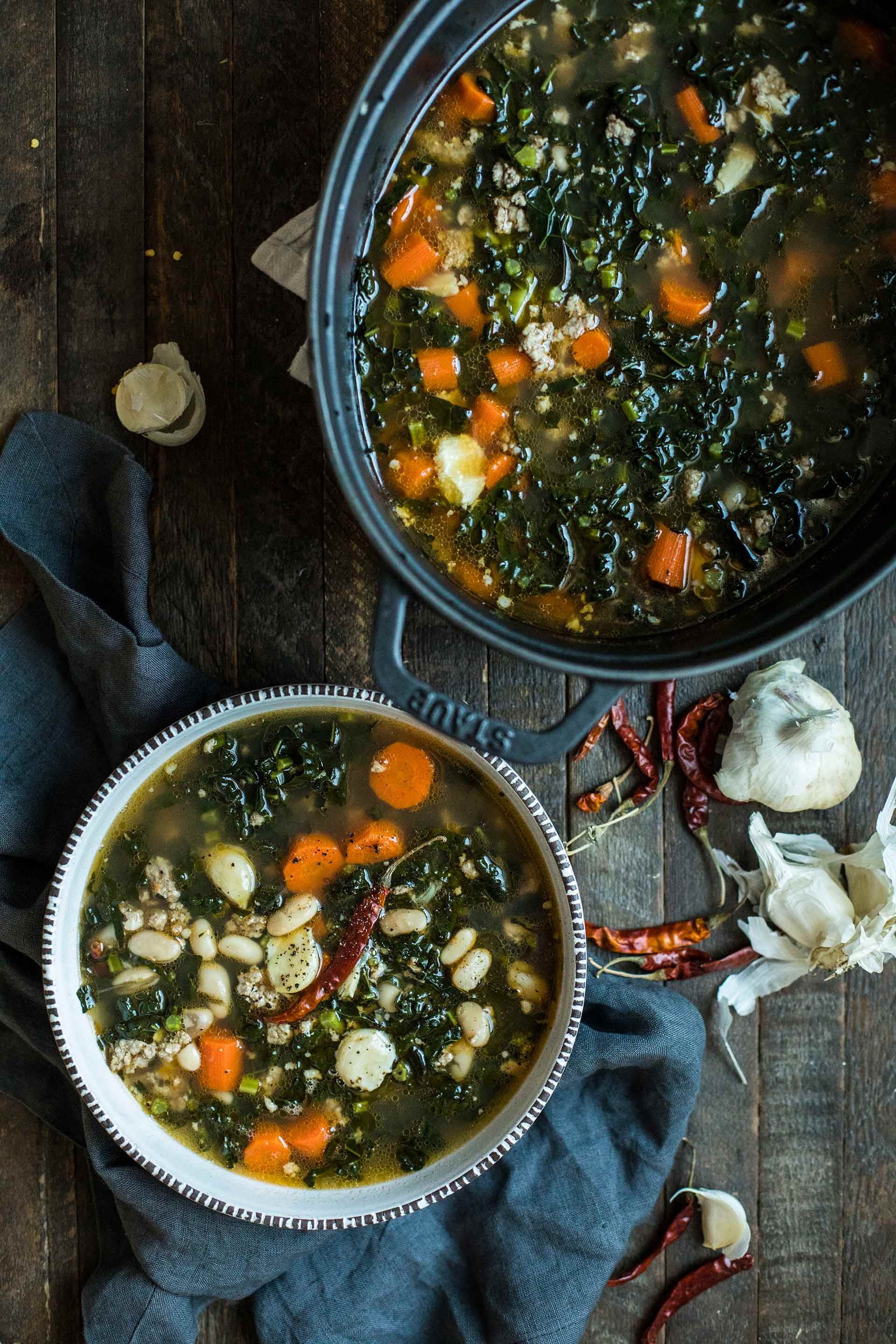 Spicy White Bean Garlic & Kale Soup | HonestlyYUM