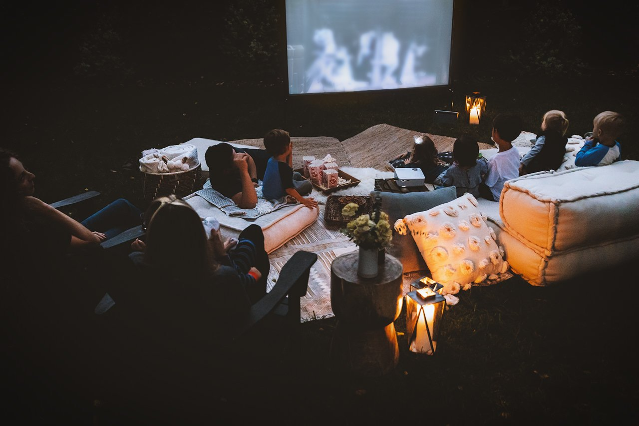 Outdoor Movie Night by HonestlyYUM (honestlyyum.com)