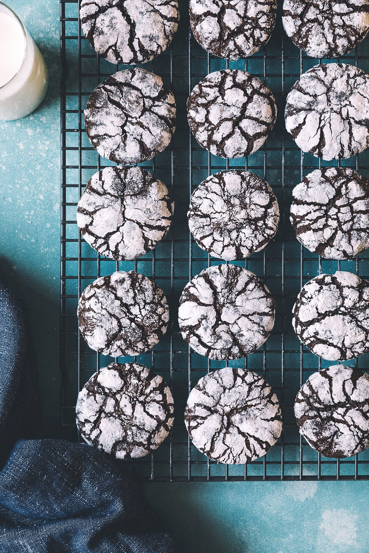 Chocolate and Ancho Chile Crinkle Cookies | HonestlyYUM (honestlyyum.com)